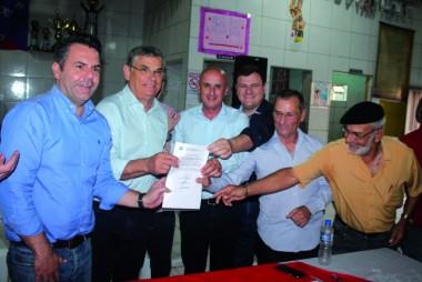 Pinho Moreira assina  convênio em Balneário Rincão
