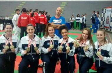 Caratecas de Içara brilham em Jogos Abertos em São Paulo