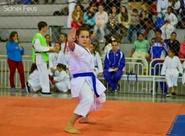 Atleta do karatê de Içara é convocada para Seleção Brasileira