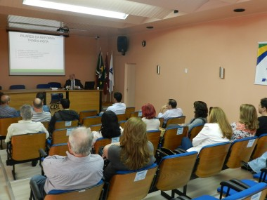 CDL e Sindilojas de Criciúma abordam reforma trabalhista