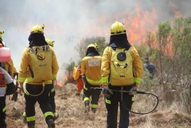 Corpo de Bombeiros Militar de SC é acionado para combater incêndios em MS
