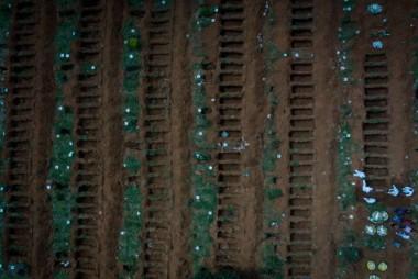 Brasil registra mais de nove mil casos de COVID-19 e 359 óbitos
