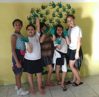 Escola Maria da Glória comemora Dia da Árvore