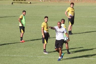 Tigre recebe o Fluminense no estádio Heriberto Hülse