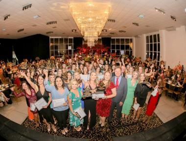 Içara: 2º Caneta de Ouro premia professores da rede municipal