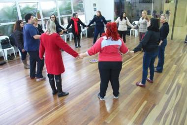Idosos de Criciúma terão aulas de danças circulares