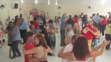 Carnaval da Terceira Idade de Jacinto Machado marca retorno dos encontros
