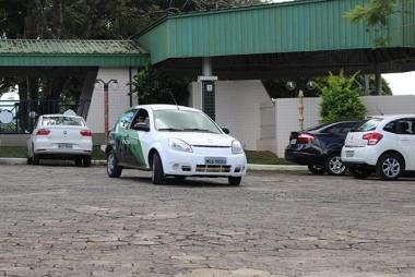 Crise dos combustíveis coloca em debate uso de carros elétricos