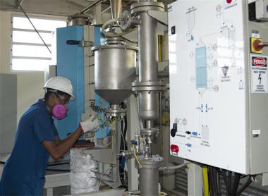 Engenheira do Departamento de Energia dos EUA visita projeto de Captura de CO2
