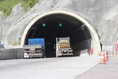 Conheça as transposições por túneis na duplicação da BR-101 Sul