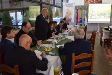 Prefeitos realizam assembleia da AMREC em Urussanga