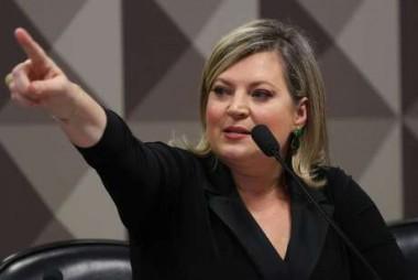 Ex-aliada deputada Joice protocola impeachment de Bolsonaro na Câmara Federal
