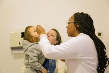 Postos de saúde têm horário estendido para vacinação
