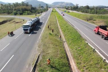 DNIT/SC concentra manutenção em nove quilômetros da BR-101 Sul