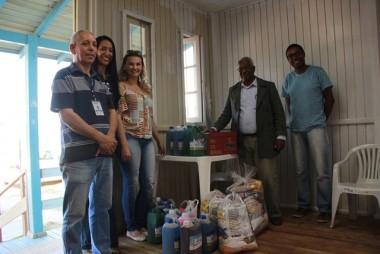 """DNIT/SC entrega donativos da campanha """"Duplique a Boa Ação"""""""