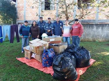 Igreja reforça estoque de agasalhos para famílias de Içara