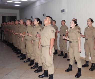 19º BPM: Alunos do Curso de Formação recebem fardamento