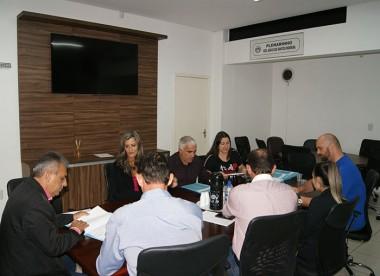 Assuntos financeiros são analisados pela Comissão Permanentes