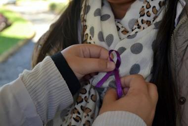 Junho Violeta: Unesc leva informações sobre a violência contra o idoso