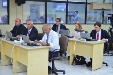 Vinte e seis projetos do Executivo são aprovados em Criciúma