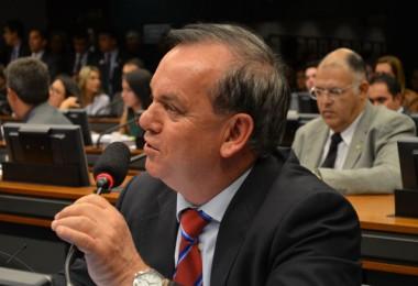 Peninha comemora flexibilização no horário da Voz do Brasil