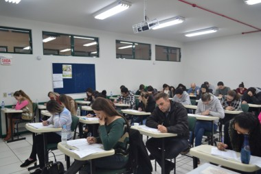 Alunos e egressos realizam simulado para o Exame da OAB