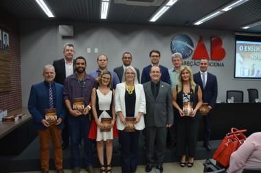 Em noite prestigiada, OAB Criciúma lança sua primeira obra