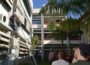 Funcionários da Unesc realizam treinamento para trabalho em altura