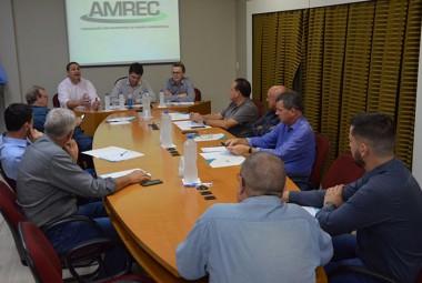 Prefeitos debatem a regionalização do Procon