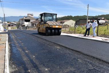 Pavimentação das ruas Antônio Carminati e João Carvalho quase prontas em Siderópolis