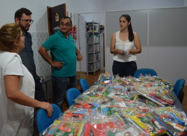Mais de 300 kits de material escolar são distribuídos em Siderópolis