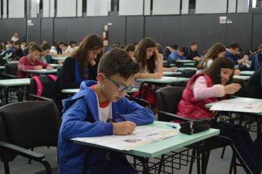 Estudantes realizam primeira prova do Prêmio Acic de Matemática