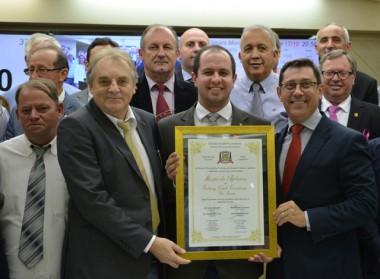Rotay Club Rio Maina é homenageado no Legislativo