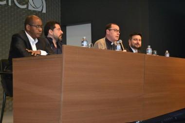 Médico e líderes religiosos debatem sobre a vida