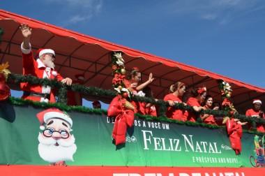 Trem de Natal da Ferrovia Tereza Cristina passa por Siderópolis