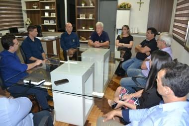 Gaiola recebe visita do secretário César Souza Junior