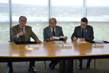 TSE assina acordo com Estado de SC e TRE