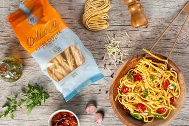 Dellarini lança nova marca e resgata a alegria das refeições em família