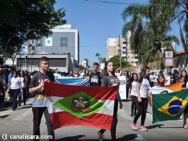 Içara festeja Dia da Independência com desfile