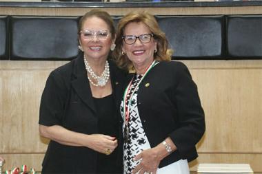 Ex-senadora Selma Elias Westphal maior honraria concedida pelo Legislativo Catarinense