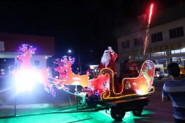 Noite de atrações marca a abertura do Natal em Treviso