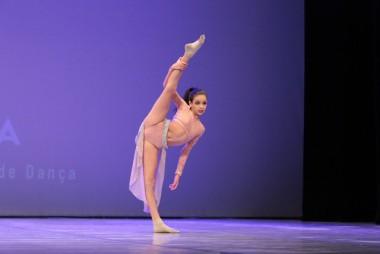 Bailarina de Içara é destaque em evento no Rio Grande do Sul