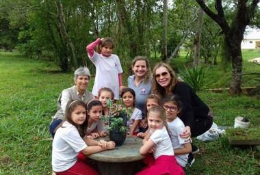 Escola Maria Arlete Lodetti comemora o dia da arvore