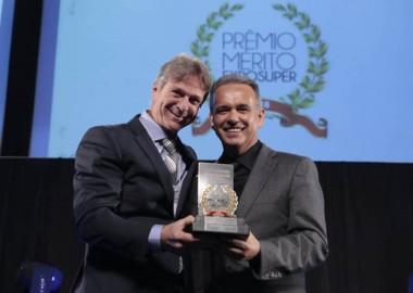 Giassi é o vencedor do Prêmio Mérito Acats Exposuper 2018