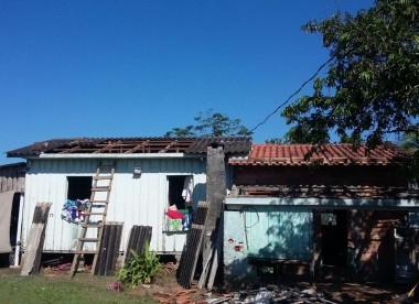 Defesa civil de Jacinto Machado contabiliza estragos com vento e chuva