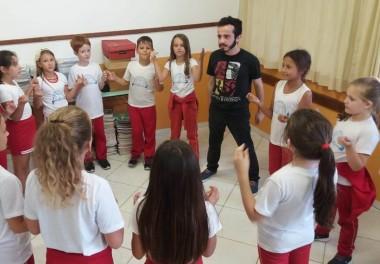 Canto e teatro farão parte do projeto Etnia na Escola