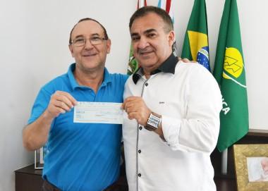 Associação Beneficente Família Feliz recebe doação