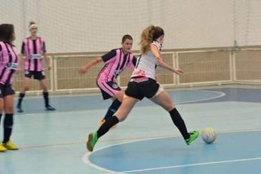 Projetando competição feminina, FME promove torneio de futsal