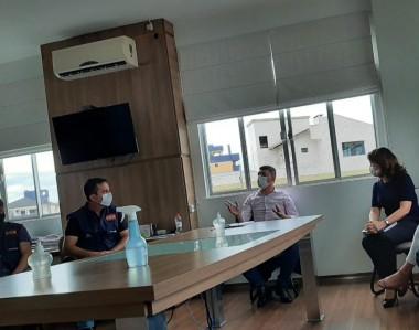 Prefeito de Siderópolis realiza reunião para tratar sobre o transporte público: