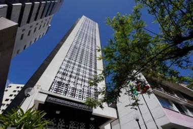 A Procuradoria-Geral do Estado esclarece não está cobrado grandes devedores